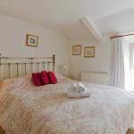 38ChurchSt-bedroom1