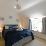 yard-cottage-double-bed